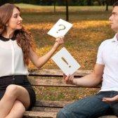 10 Fragen, sich zu fragen, bevor Sie sich auf eine Beziehung zu begehen