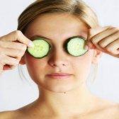 18 verschiedene Verwendungen für Gurken ausgesetzt sind: die Schönheit und Haushalte