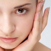 5 Hausmittel für dunkle Flecken im Gesicht und Nase