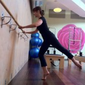 Class Action: bar-Hoch Pilates Yoga-Raum