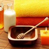 Bekämpfung von Akne mit dieser Zimt Honig-Maske
