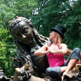 Halle Yoga Becker Girl lehren SoulCycle