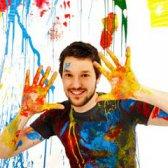 Wie kommt man Farbe auf Kleidung gießen