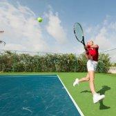 Wie ein Tennismatch gegen einen besseren Spieler zu gewinnen?