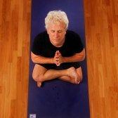 John Friend möchte, dass Sie mehr Platz auf dem Teppich zu haben