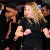 Madonna süchtig wieder dvd bietet sein Training zu schwitzen, aber nicht sein