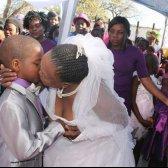 South African Junge, 9, Frau von 62 Jahren, eine Frau!