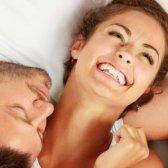 Top 11 Gründe, in Ihren 20ern jung heiraten