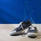 Versuchen Sie diese Tricks frisch stinkende Schuhe riechen wieder machen