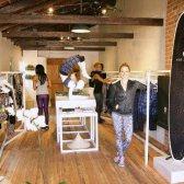 Aktives Leben öffnet sich ein Pop-up-Fitness-Modegeschäft