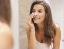 10 Tipps für die tägliche Routine der Hautpflege vor und nach dem Training