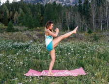 6 Pilates Bewegungen, die den ganzen Körper drehen wird