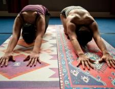 Total 7 schöne Yoga-Matte