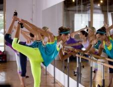 Dick Sportartikel debütierte das Konzept der Fitness Frauen spritzige