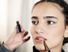Das Gefühl rissig? Fünf Lippe (und Multitasking) Balsame zur Rettung