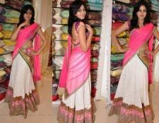 Halb Sari - ein Trend zur Tradition