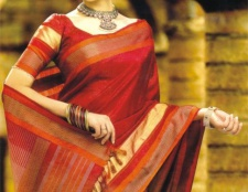 Handgewebte Saris - traditionelle Trend