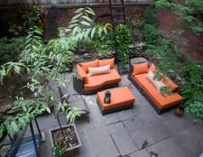 James Corbett eröffnet einen Schönheitssalon und Pediküre Bio-Garten