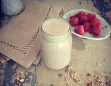 Rezept: Erdbeer-Smoothie Traum von Mandelproteinen
