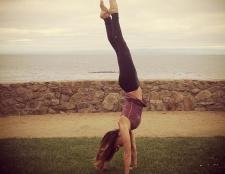 Wenig schwarzes Kleid in der Welt der Fitness: die 11 must-have Yogahosen