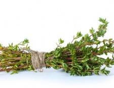 Thymian kann effektiver gegen Akne Benzoylperoxid